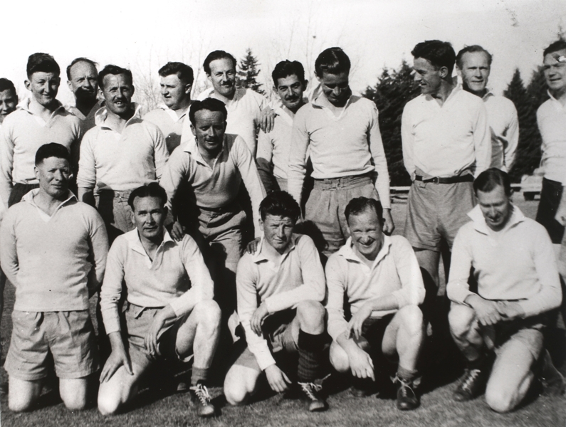 Press Gallery sporting team, probably Rugby Union. Date unknown.