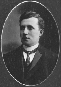 Journalist Bert Cook, 1908. Photo: State Library Of Victoria.