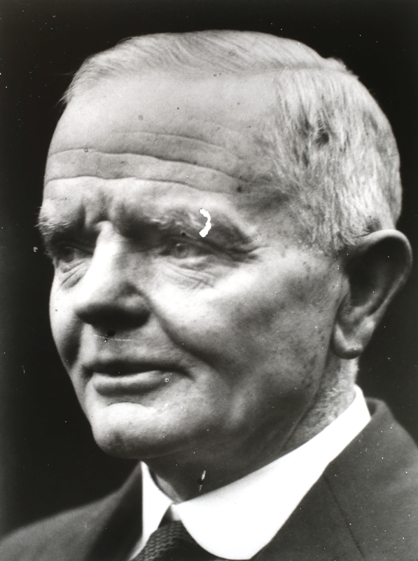 Mr W.A.Brennan. Member of Federal Parliamentary Press Gallery, Melbourne, continuously from first meeting of Commonwealth Parliament, May 9th, 1901, until 1927. Served a term as President of the Gallery.